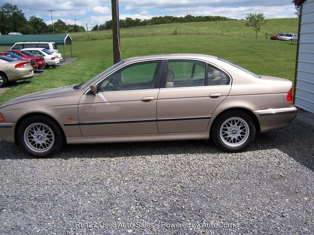 2000 BMW 528iA 4-Door Sedan Automatic Trans
